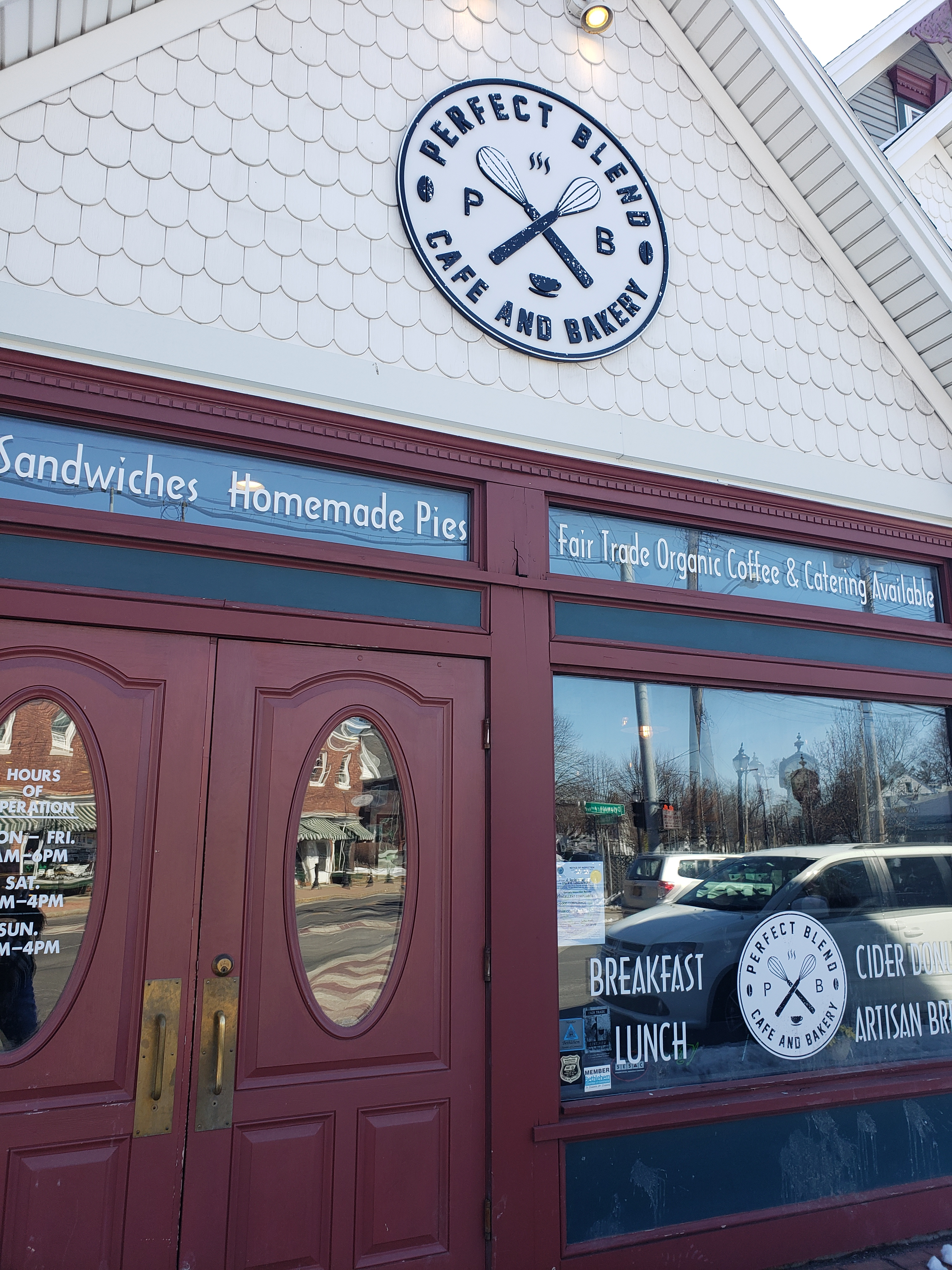 Perfect Blend, Cafe & Bakery, Delmar, NY - Coffee & life